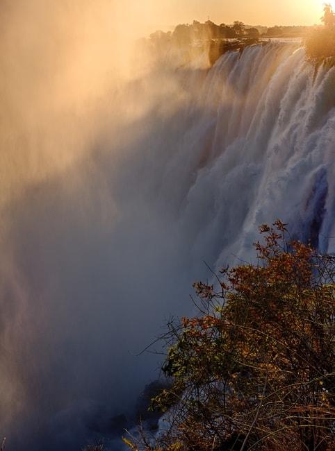 Victoria Falls at sunset   © Amacphoto7/Shutterstock