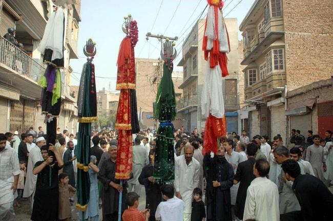Shiite Muslim mourning procession in Peshawar. Pakistan | © Asianet-Pakistan/Shutterstock