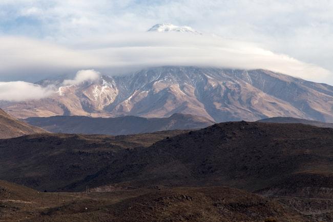 Mount Damavand, the highest peak in Iran   © Udompeter/Shutterstock
