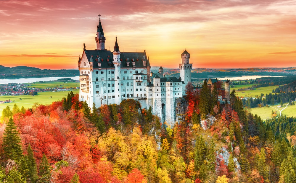 13 Stunning Places To Watch The Leaves Change Colour