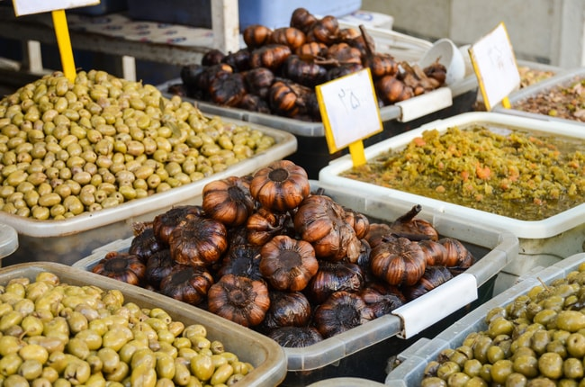 Pickled garlic and olives in Iran   © Daria Ver/Shutterstock