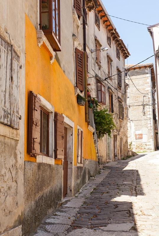 Buje, Croatia | © bepsy/Shutterstock