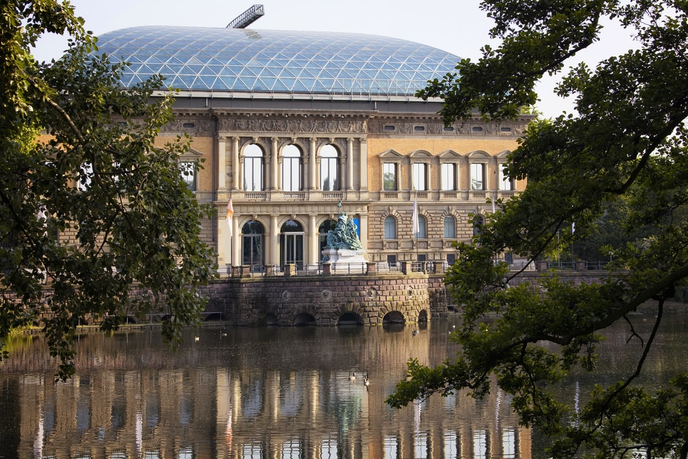 modern art museum Kunstsammlung in Dusseldorf, Germany | © theendup/Shutterstock