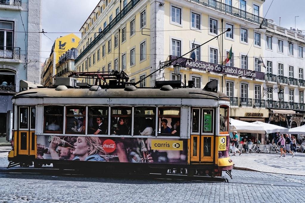 https://pixabay.com/es/tranv%C3%ADa-lisboa-portugal-europa-2397884/