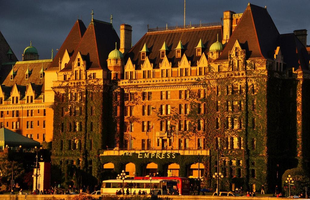Victoria's Fairmont Empress Hotel | © artonthefly / Flickr