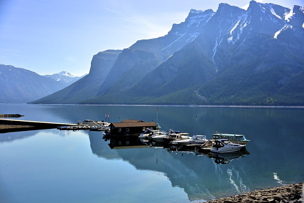 An Underwater Ghost Town Is Hidden Beneath This Beautiful Lake