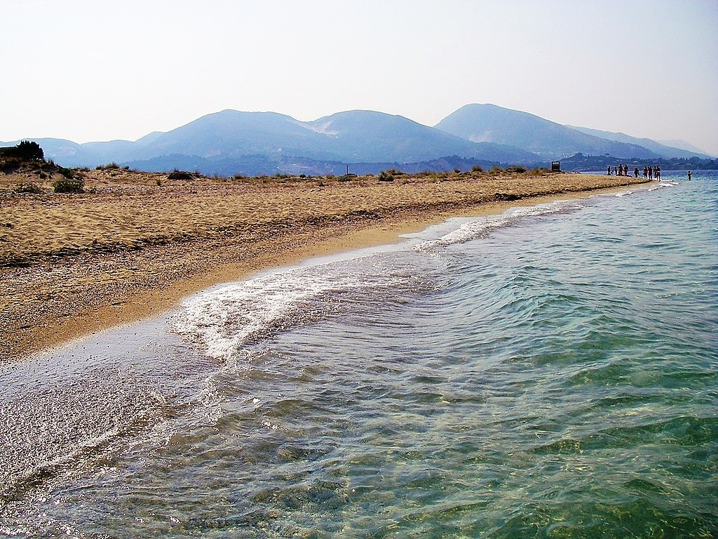 1024px-Maratonissi_beach_-_Don't_go_further_into_the_island._Turtel_nests_may_not_be_disturbed_-_panoramio