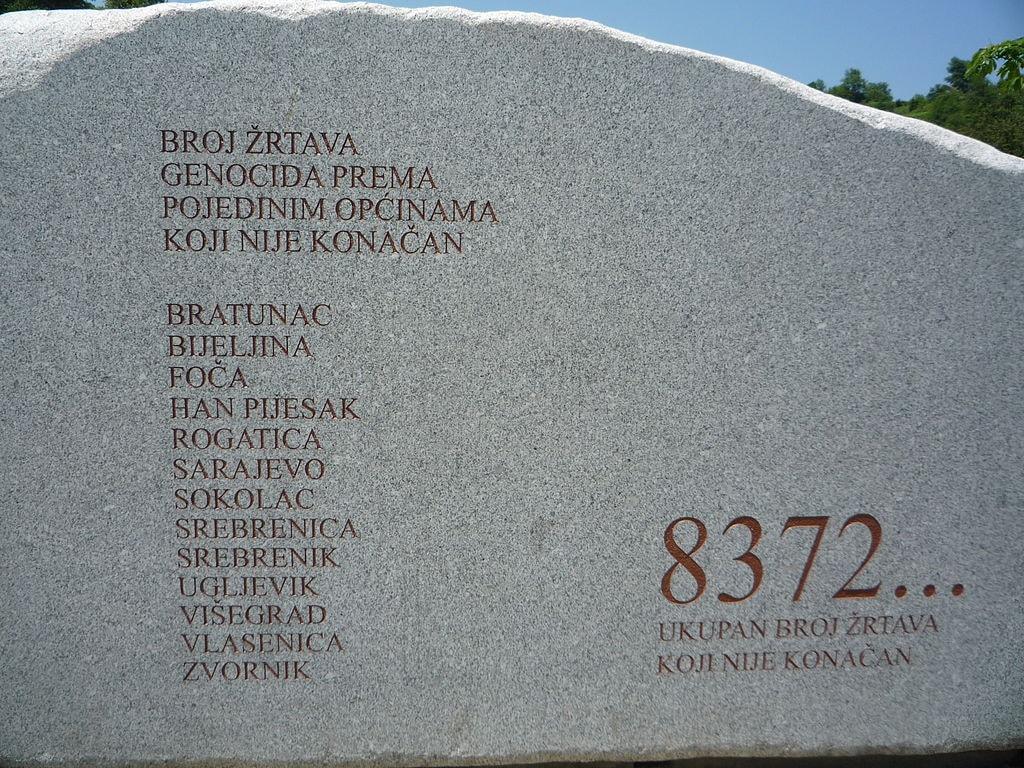 8372 victims | © Lucignolobrescia/WikiCommons