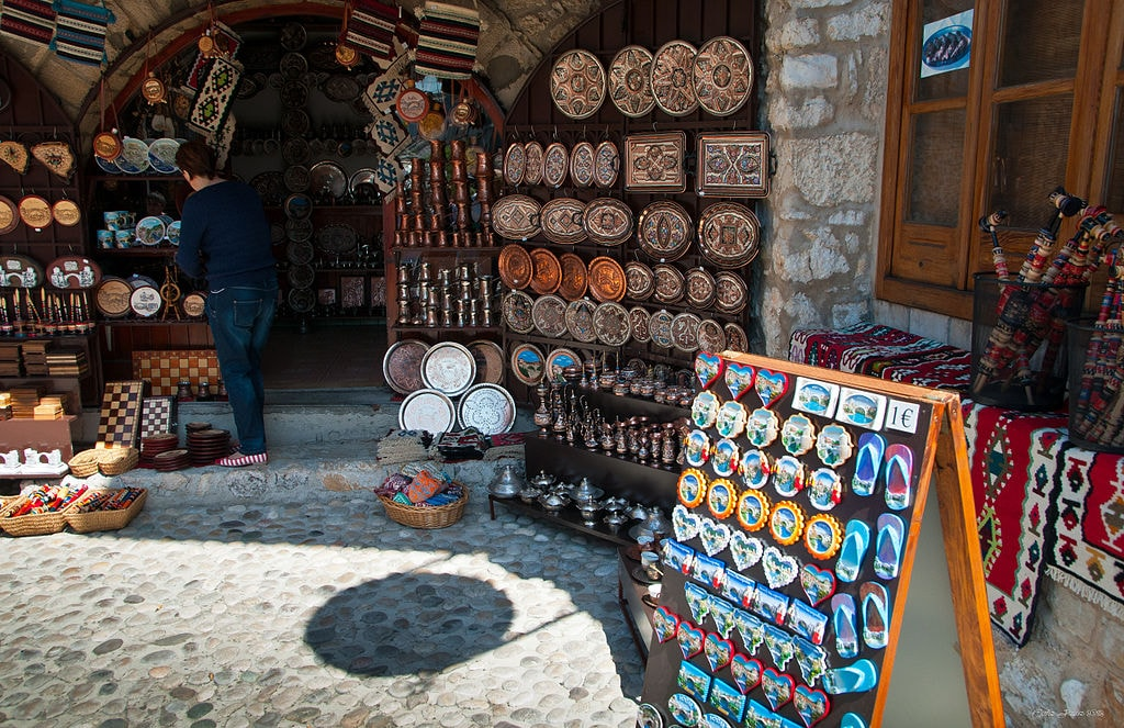 Souvenirs in Mostar | © Smooth_O/WikiCommons
