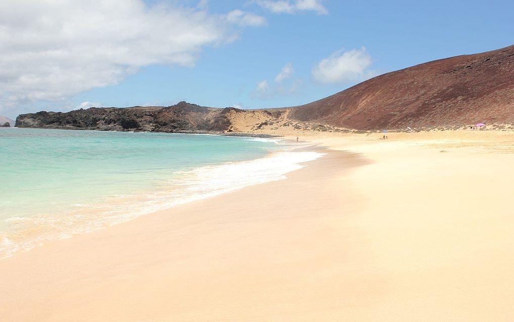 Playa de las Conchas | © Gonzalo Serrano Espada / Wikimedia Commons