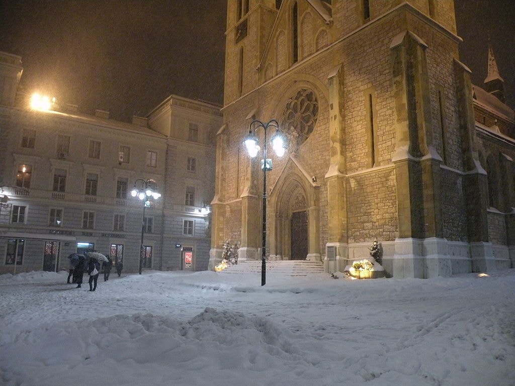 Sarajevo Cathedral during Winter | @ Smooth_O/WikiCommons