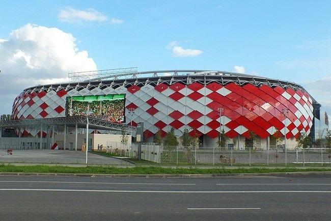 1024px-Spartak_stadium_(Otkrytiye_Arena),_23_August_2014