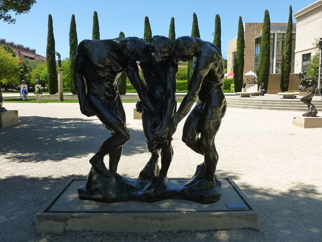 1024px-The_Three_Shades_sculpture_by_Rodin;_front_side