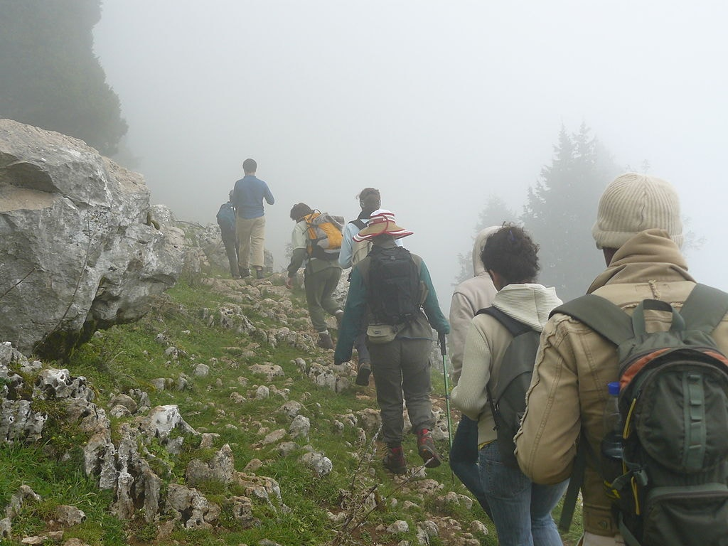 1024px-Trekking_in_the_Lebanon_Mountains
