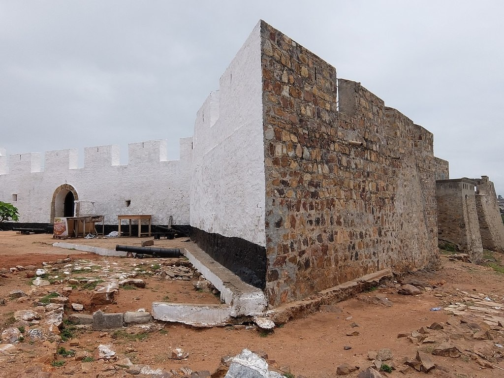 Front and side view Fort of Good Hope