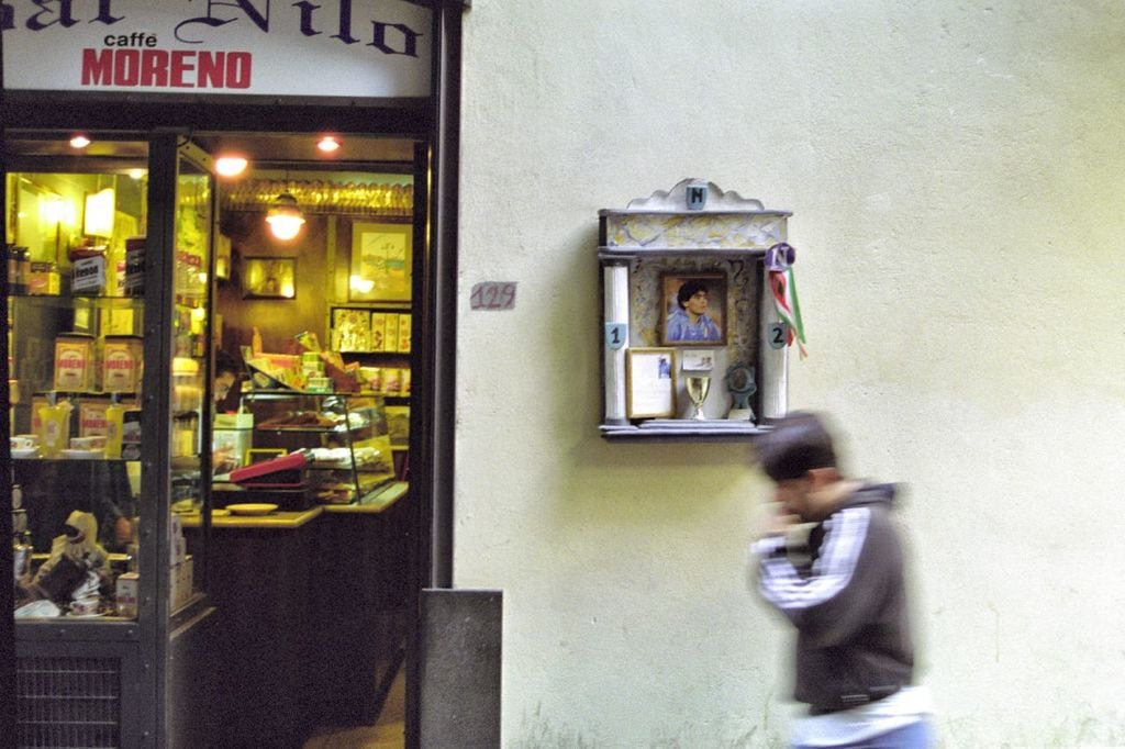 Maradona has a god-like status in Napoli | © richardobeirne/Flickr