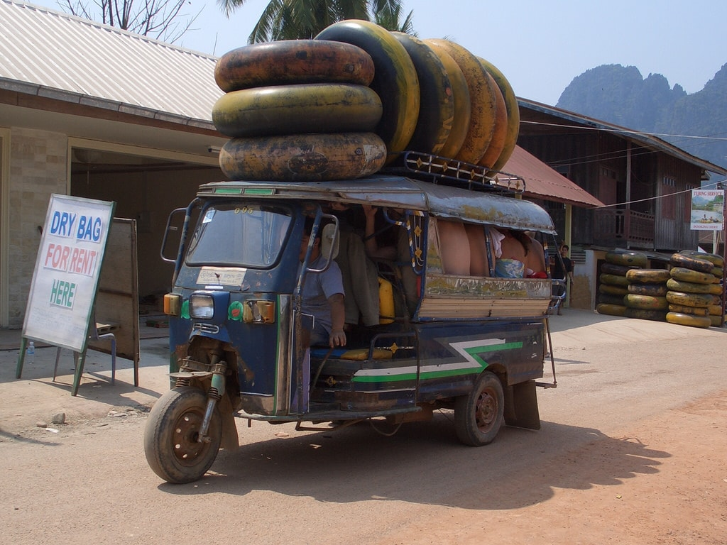 Tubing, Vang Vieng | © Coverling/Flickr