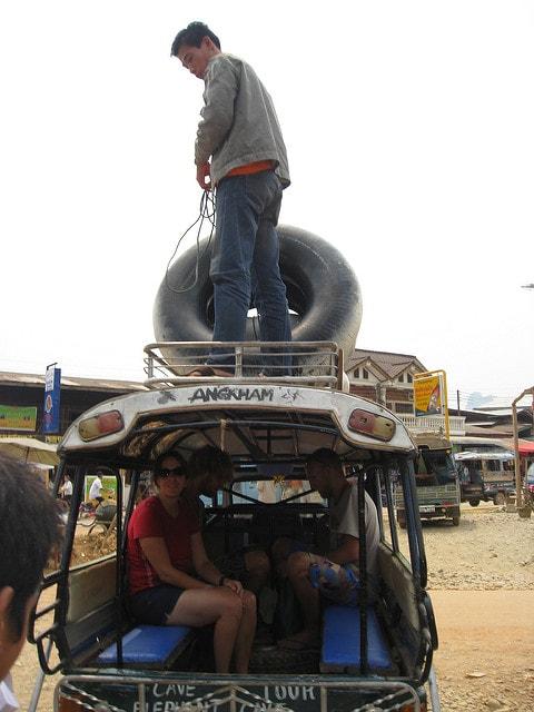 Tuk tuk to tubing, Vang Vieng | © Chris Feser/Flickr