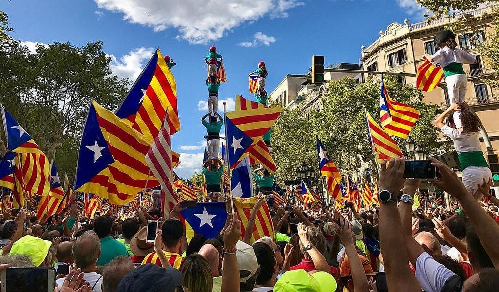 Pro-independence estelada flags © Daniel García Peris / Flickr