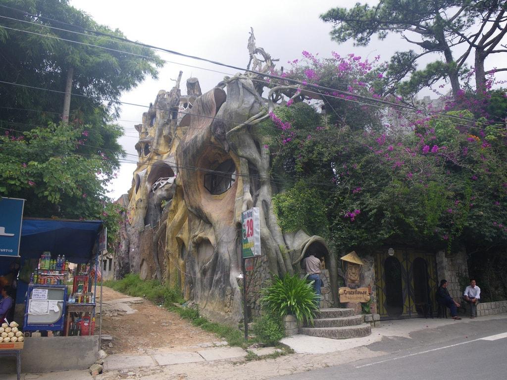 The Weird and Wonderful Lodgings of Vietnam\u0027s \u0027Crazy House\u0027