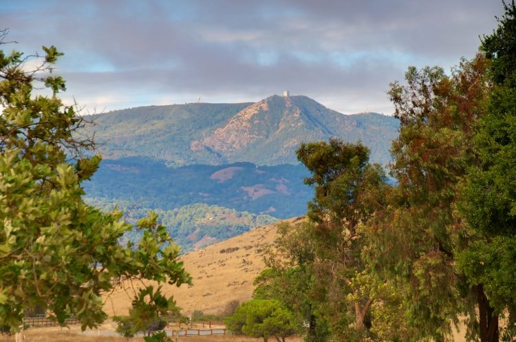 Mt Umunhum from Pueblo Parking Lot in Santa Teresa County Park