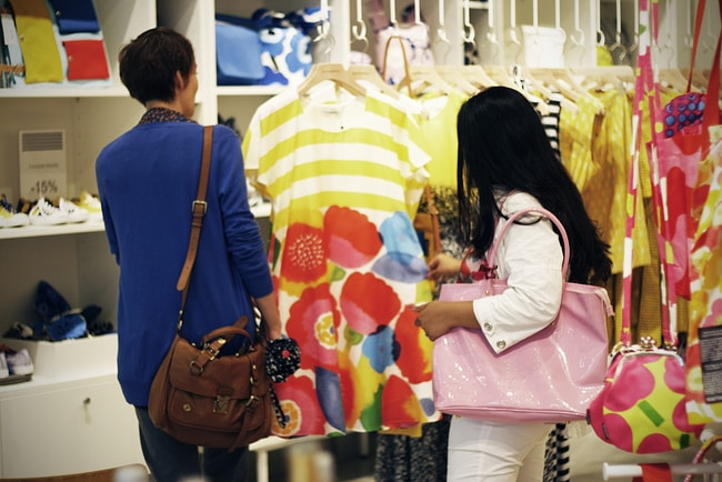 Marimekko shoppers | © Liisa Tervinen / Flickr