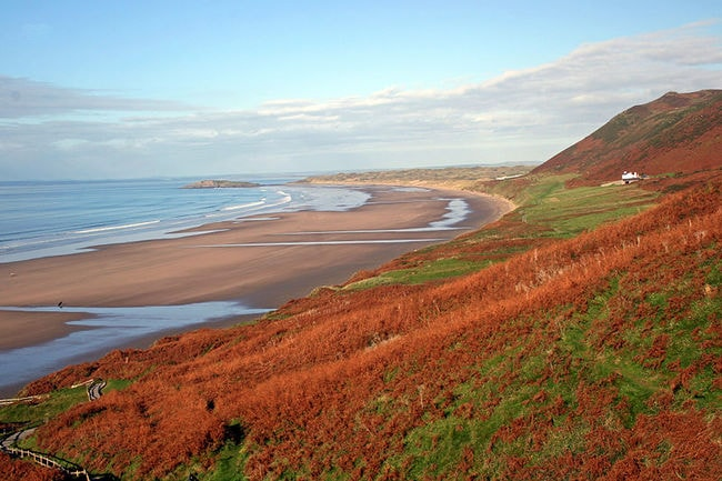 800px-Rhossili_in_Autumn,_2010
