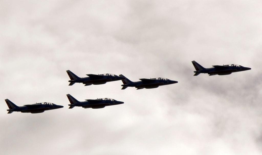 aircraft-432053_1280