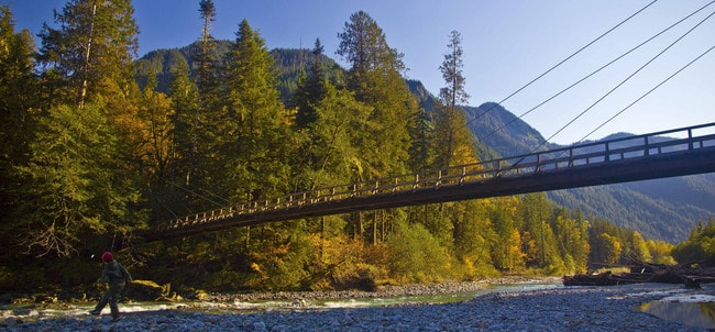 Baker River Bridge in Fall | © Andy Porter / Flickr