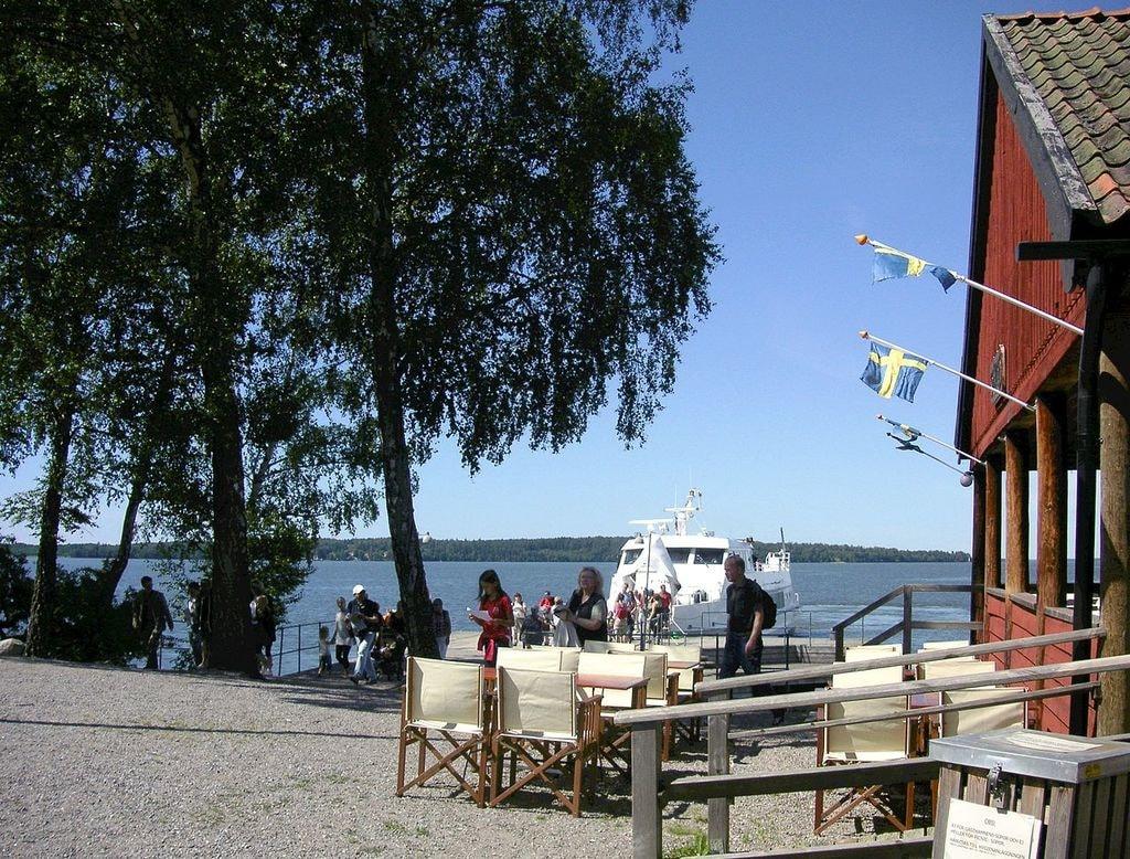 Birka_restaurang_och_brygga,_2008