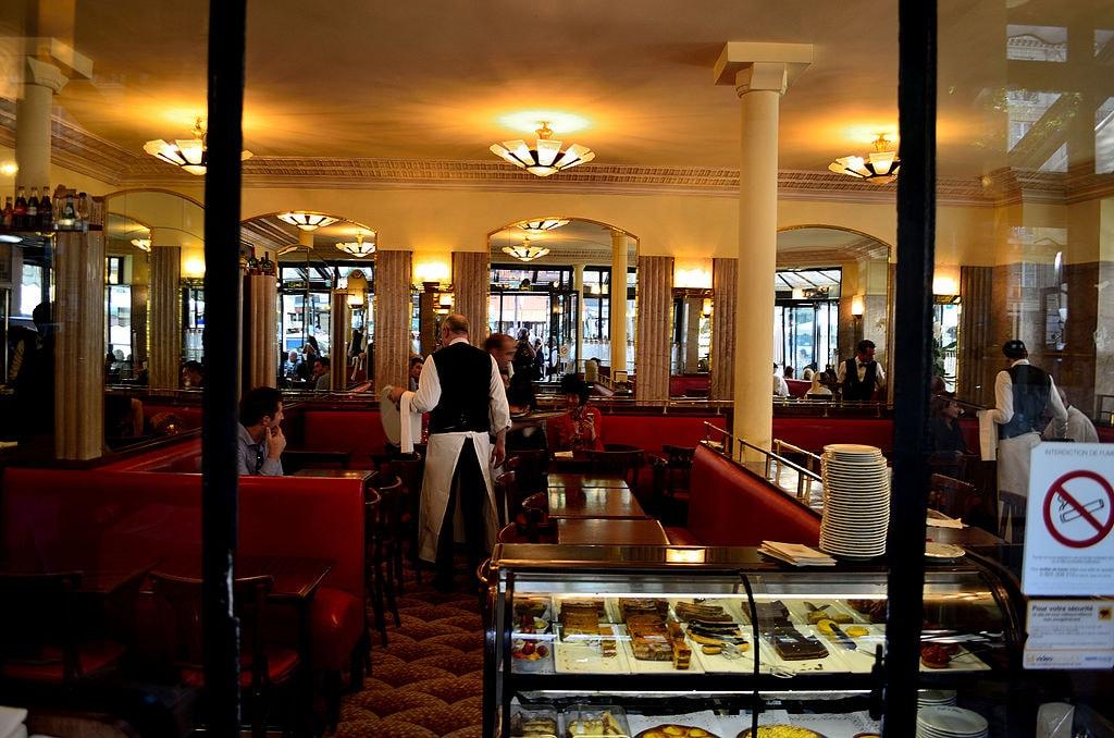 Cafe_de_Flore,_Paris_4_June_2015
