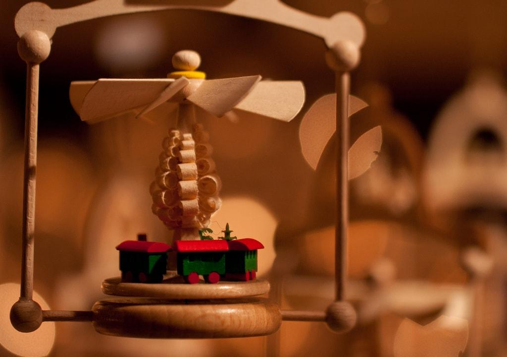 Christmas Pyramid at Konstanz Christmas Market | © LenDog64 / Flickr