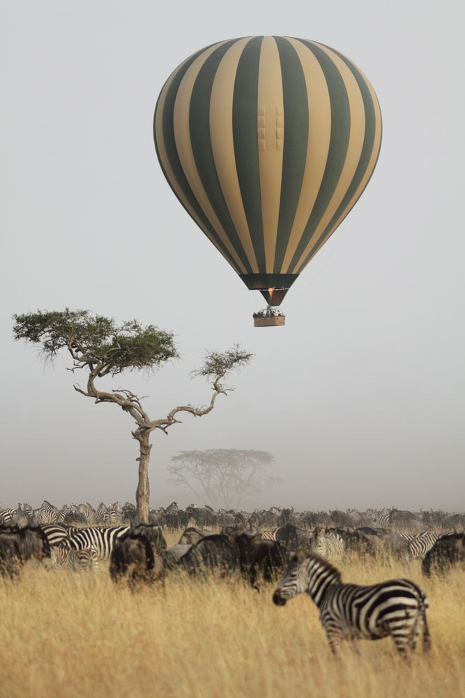 Crazy-Things-You-Have-To-Do-in-Africa_Air-balloon