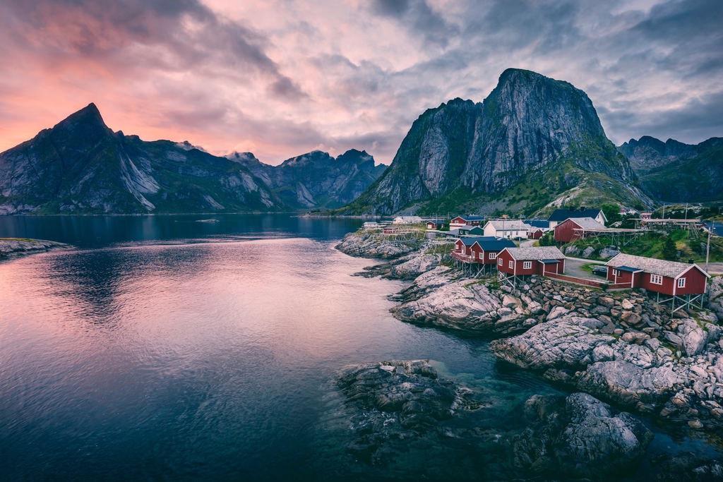 Hamnøy, Lofoten Islands | © Yuriy Garnaev : Unsplash