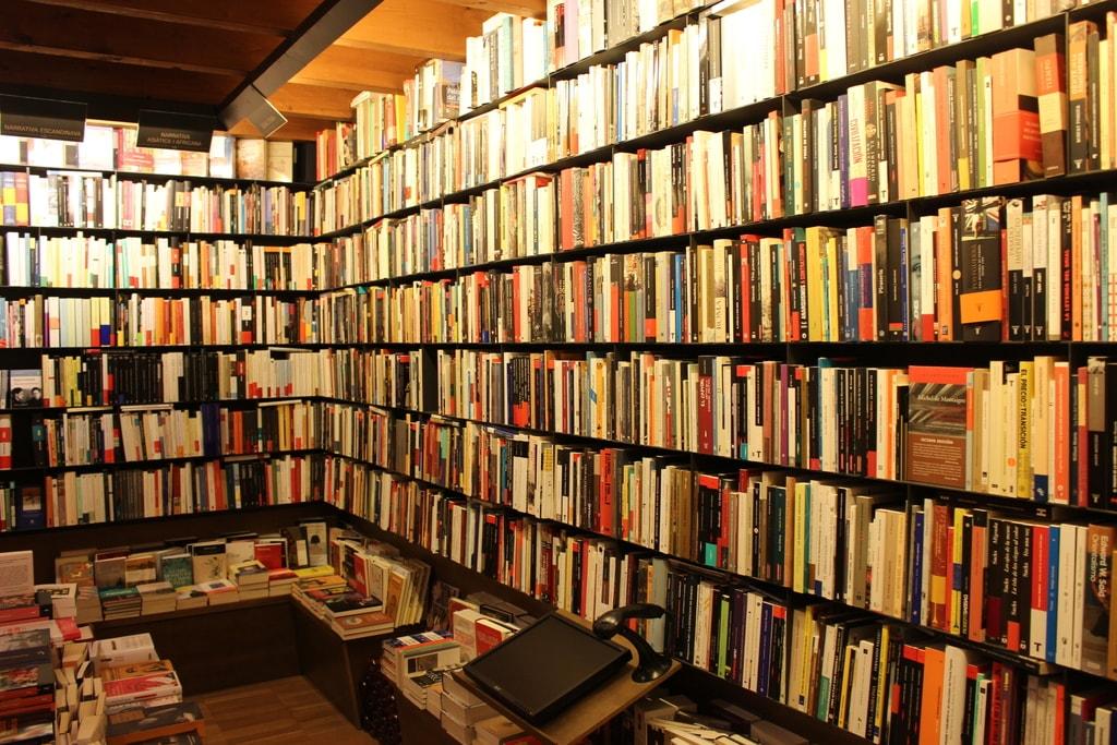 Bookshelves at La Biblioteca de Babel © Leon Beckenham