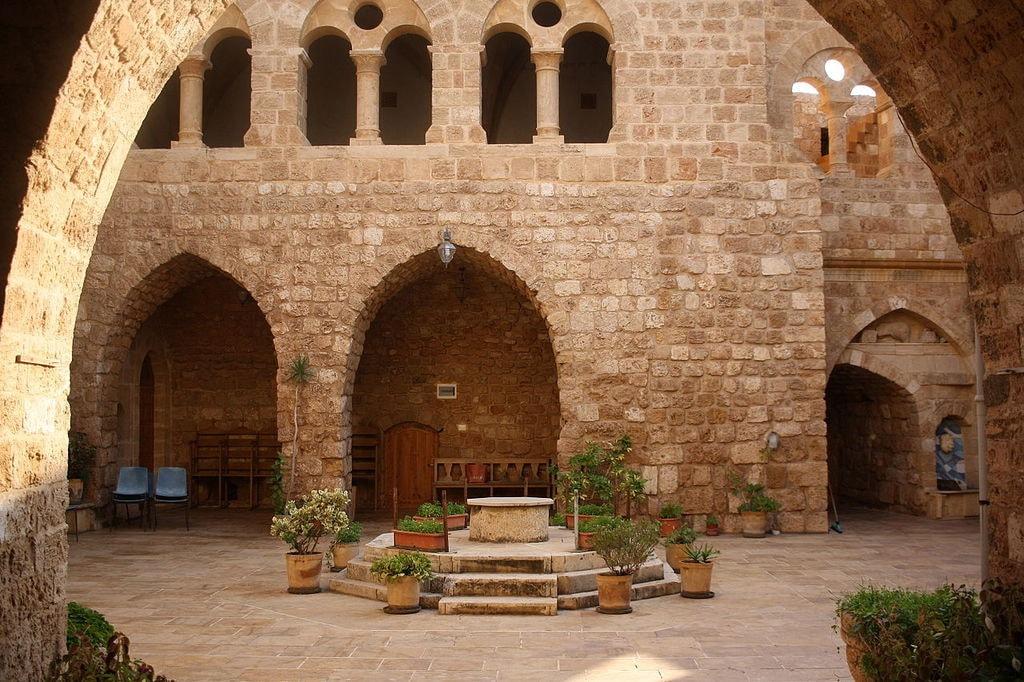 L'intérieur_de_Deir_El_Natour_à_Enfeh