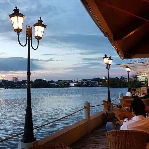 River views | Courtesy of Muelle Restaurant & Deli