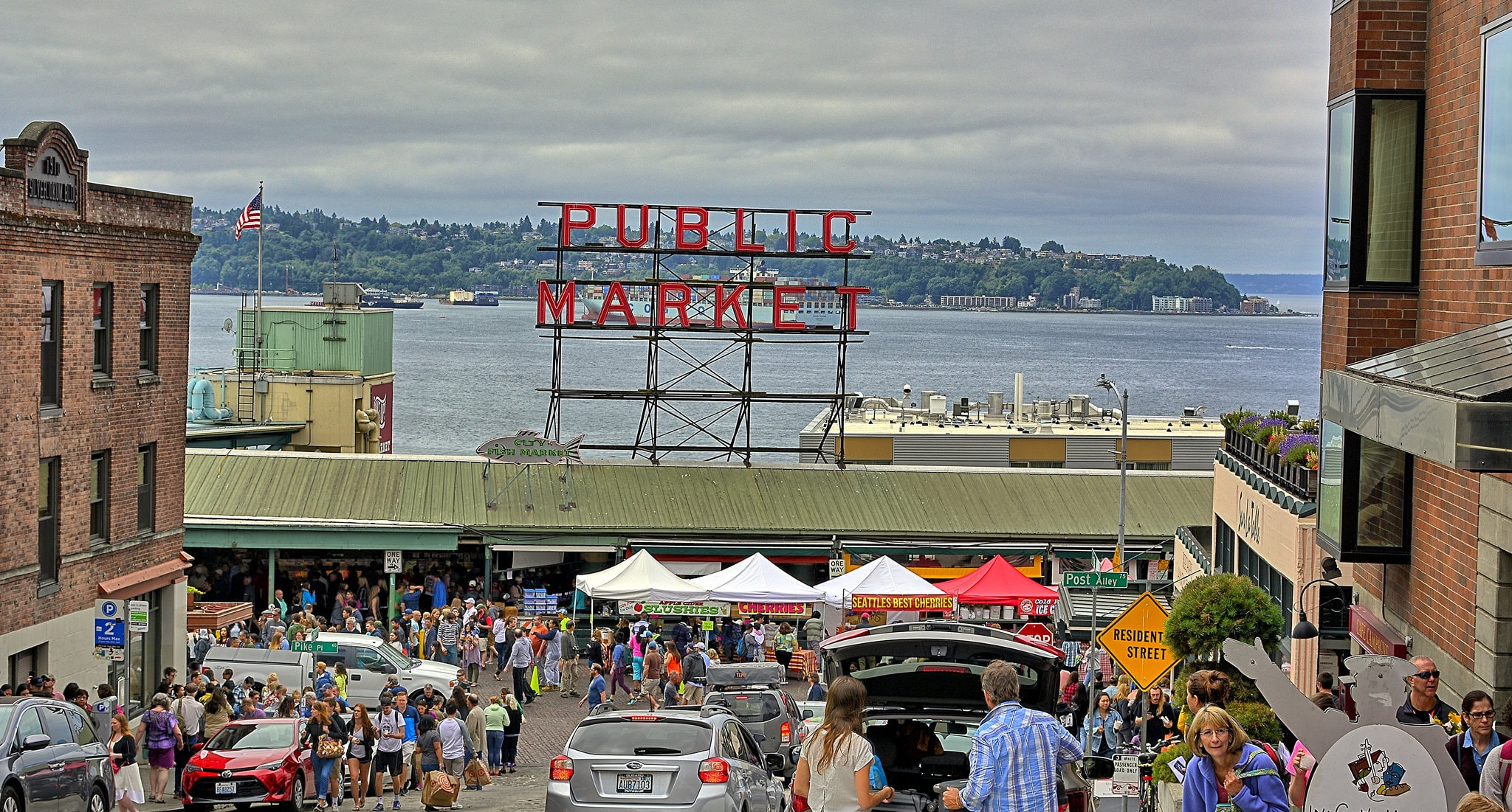 Pike Place Market | © Kirt Edblom / Flickr