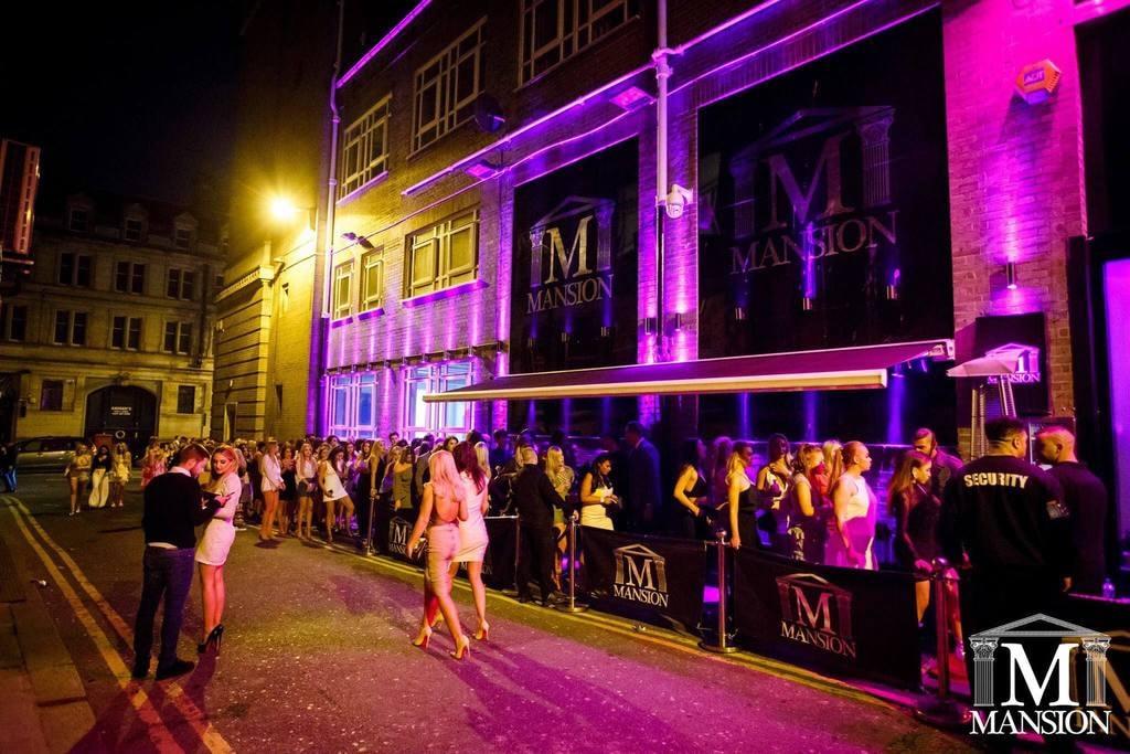 Queue at Mansion Nightclub, Liverpool
