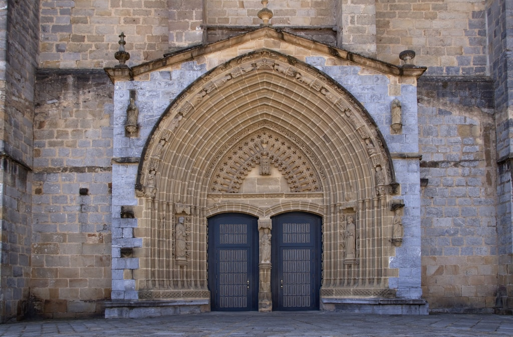 Santa Maria church, Guernica, Spain | ©Tony Hisgett / Flickr
