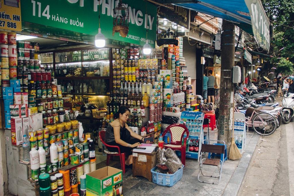 SCTP0014-POCOCK-VIETNAM-HANOI-STREETS-38-18-Hàng Buồm