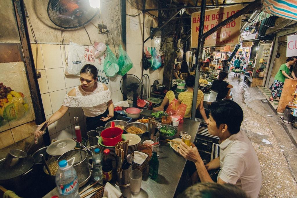 SCTP0014-POCOCK-VIETNAM-HANOI-STREETS-55-1-Ngõ Chợ Đồng Xuân