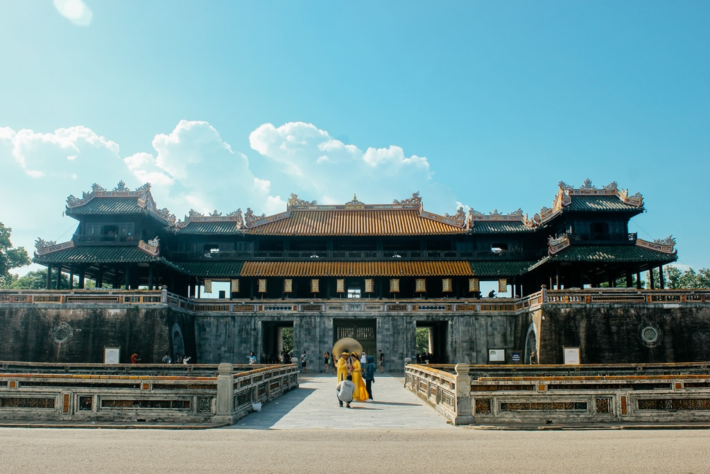 20 Beautiful Photos Of Hue Vietnam S Lost Imperial City