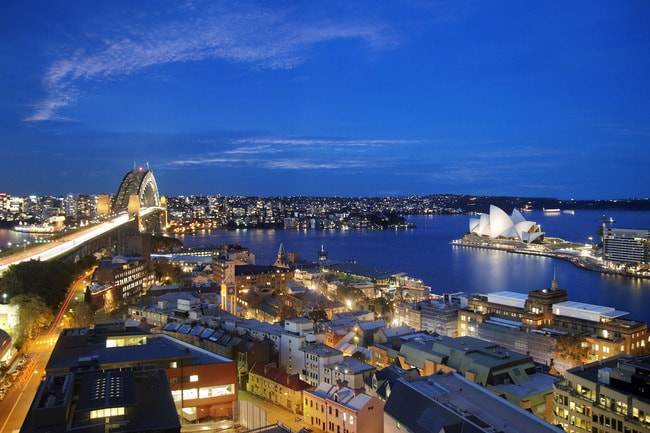 Shangri-La Night from Shangri-La hotel, Sydney by Chester Ong