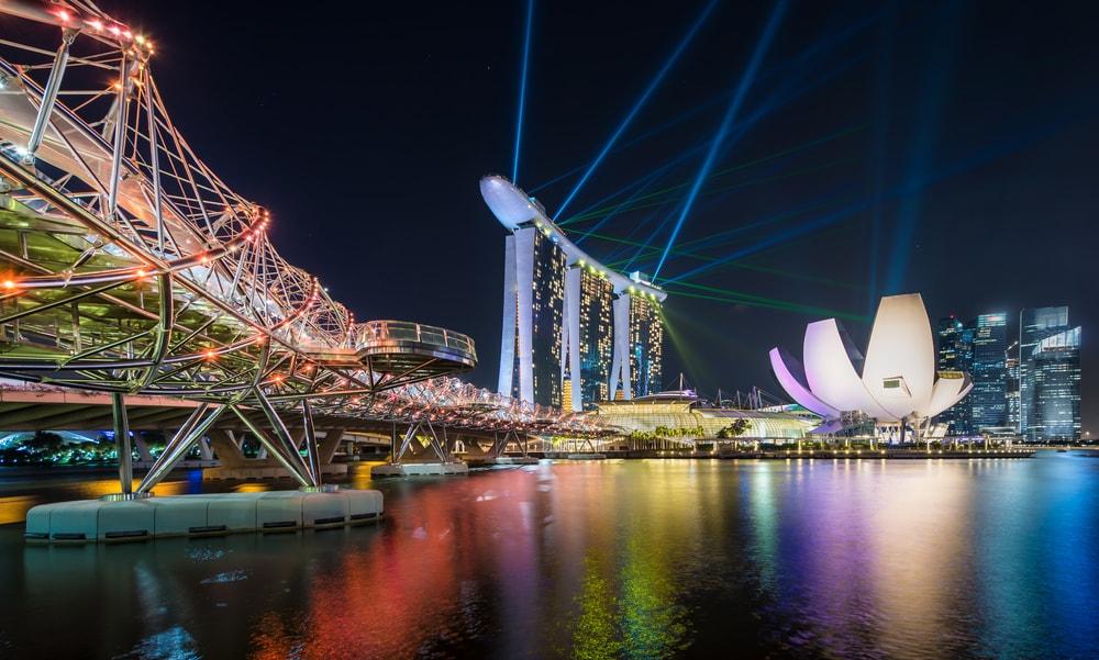 Laser show at Singapore's Marina Bay | © nattawit.sree / Shutterstock