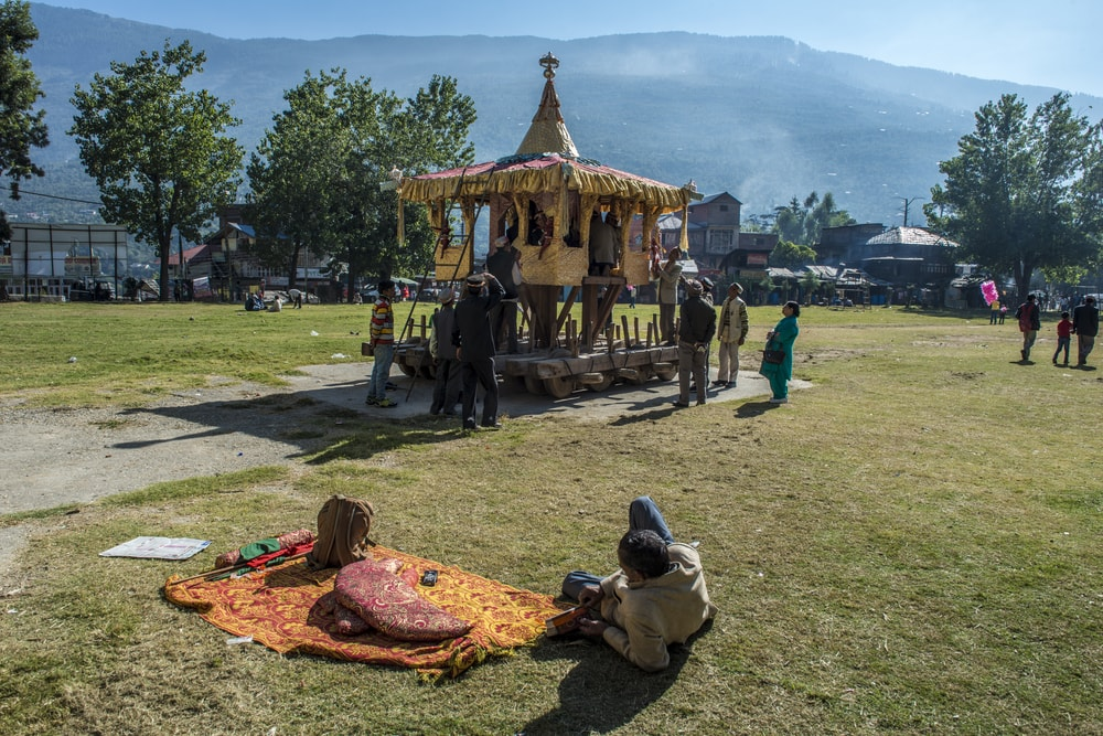 Preparing the shrine for the deity during the Dusshera procession in Kullu