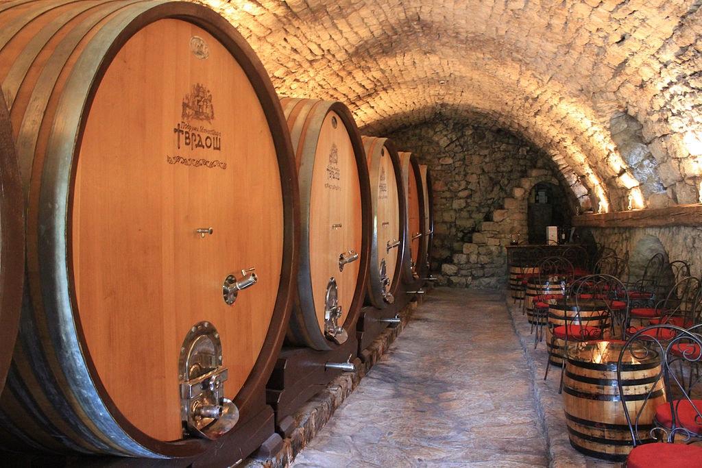 Lots of wine in Bosnia |©Stolbovsky/WikiCommons