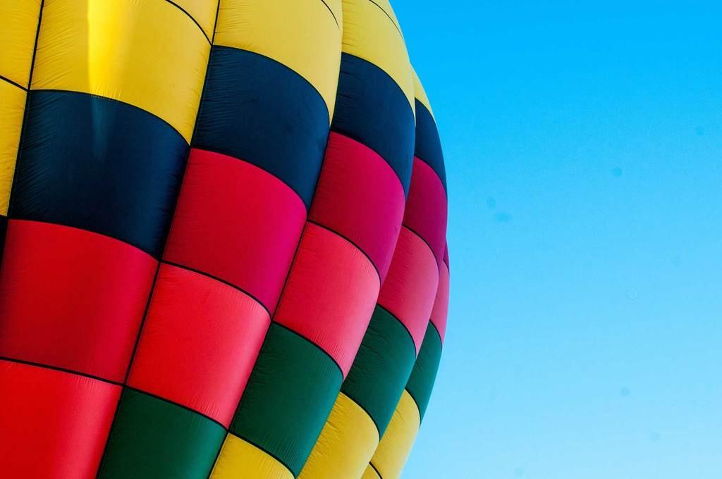 Unusual-date-ideas_Hot-air-balloon