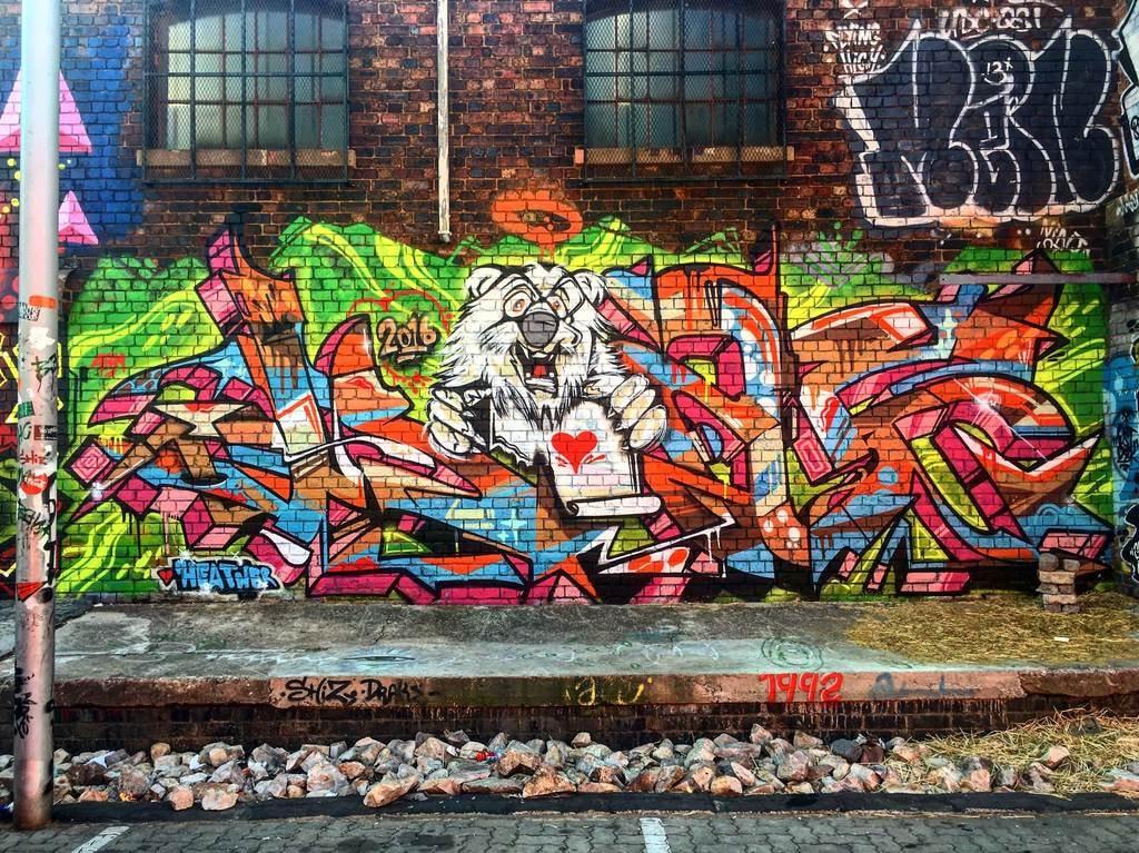 Unusual-date-ideas_Street-art