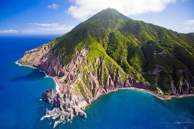 00-lede-saba-island-caribbean-netherlands-travel-guide